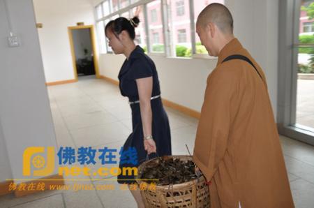 广东省梅州市千佛塔寺比丘尼和慈善