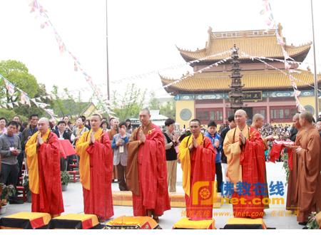 开光—江苏太仓双凤寺举行海岛观音五百罗汉开光法会