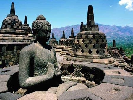 印尼婆罗浮屠佛塔被吉尼斯认定为世界最大佛教寺庙
