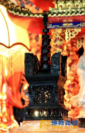 台湾中居会拜访新旧阿育王寺 佛塔因缘千年再聚