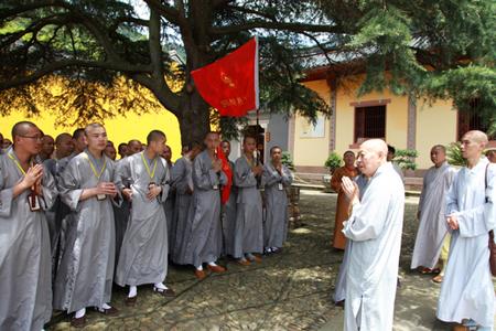浙江省杭州佛学院师生一行到宁波天童禅寺参访