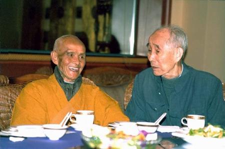 著名佛学家,藏汉翻译家,佛教教育家任杰先生安详示寂图片