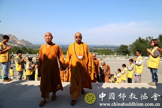 """台湾""""中国佛教会""""大陆参访团一行赴龙泉寺参访-大陆教界内容"""