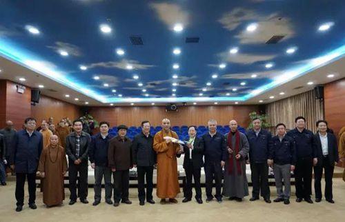 上海佛教界人士参观c919大飞机研制项目