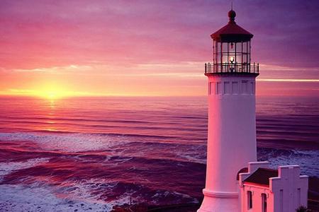 正确的信仰和高远的目标是生命成长的方向,犹如大海与灯塔